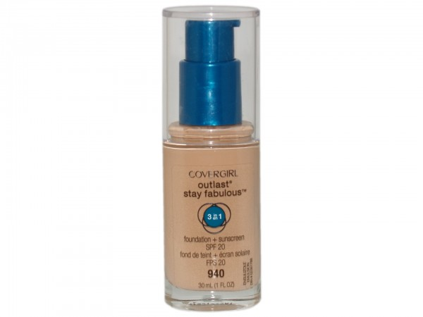 Covergirl Outlast Stay Fabulous 3-in-1 Foundation 940 Natural Beige(4015600647216)
